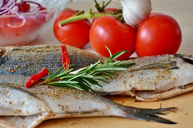 fish-sea-bream-raw-uncooked